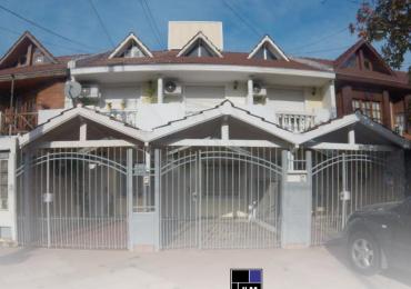 Duplex 4 ambientes con cochera y patio